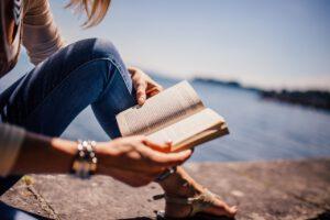 Kaunokirjallisuuden myynti kasvoi laskevassa kirjamarkkinassa