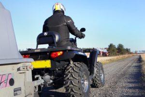 Turvallisesti mönkijällä – tunne ajoneuvosi erityispiirteet