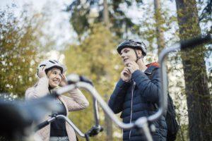 Valtaosa suomalaisista allekirjoittaa kypärän hyödyt